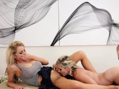 Two sexy blondes Sasha Heart and Alix Lynx have lesbian sex
