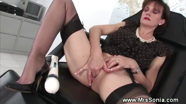 Porn Tube of Mature Slut Vibrating Fetish