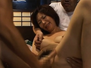 mature mature plays with water on her soaked pussy
