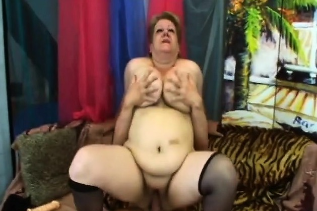 Bbw Mature Bitch Gets Ripped By Pornstar