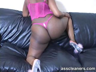 Ebony mistress lures but only to have her ass hole licked