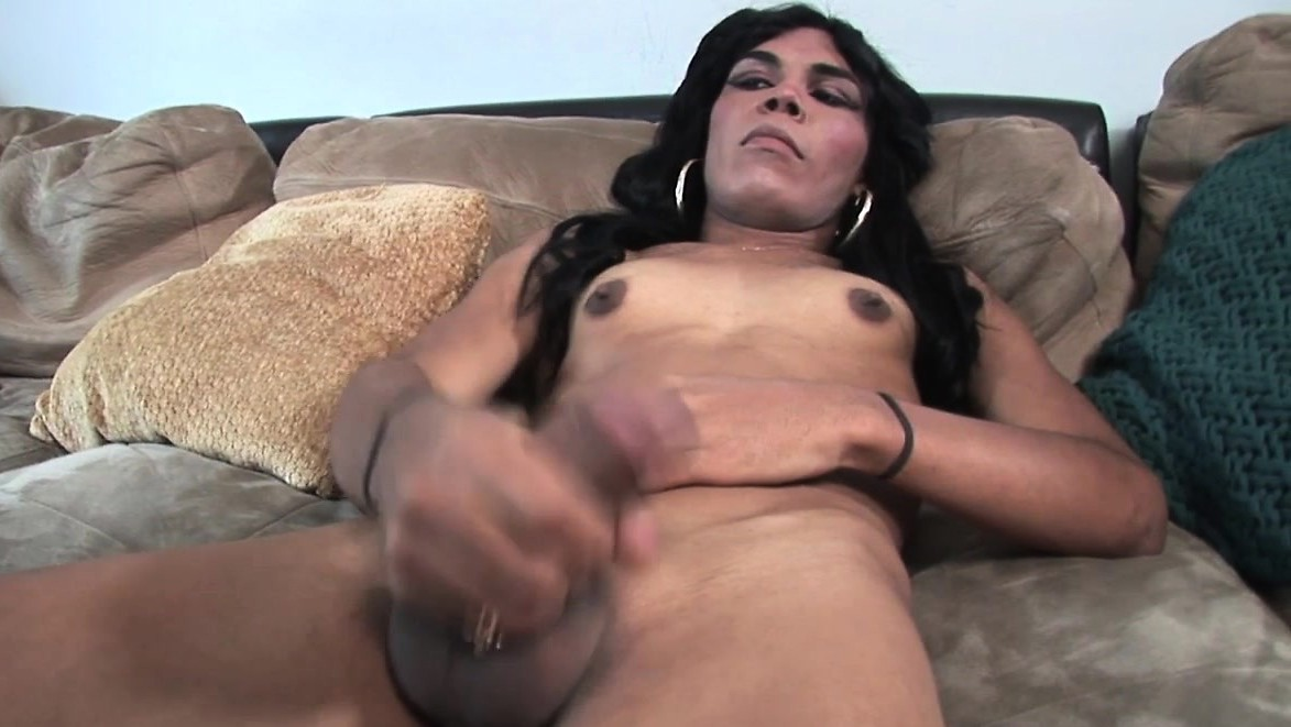 Casting Ts Latin Masturbates And Gets Handjob