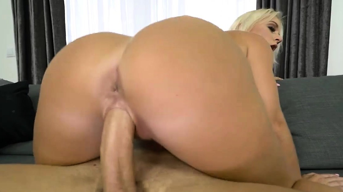 Milf Rossella Visconti Screwed Have A Great Fucking Session