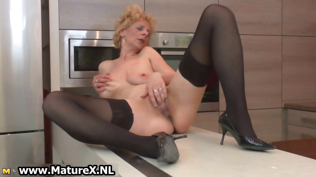 Porno Video of Blonde Mature Part1