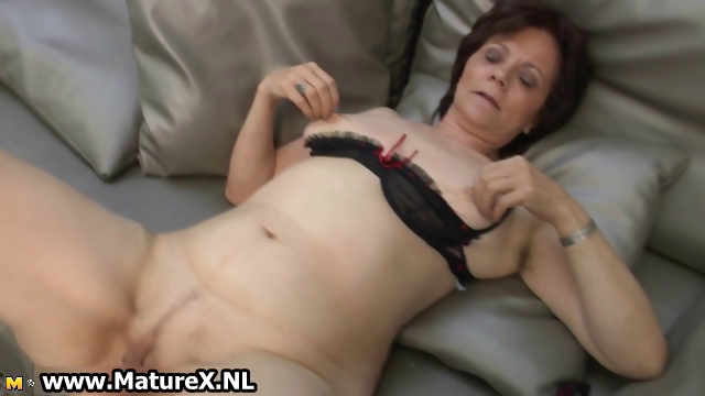Porno Video of Mature Housewife In Sexy Stockings Part6