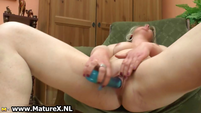Porno Video of Dirty Mature Housewife Fucking Part3