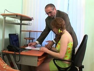 Порно видео русская девушка пробует на пробах