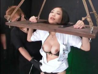 Жену пустить по кругу при муже смотреть онлайн порно