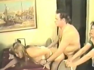 Порно зрелая мамаша любит ретро
