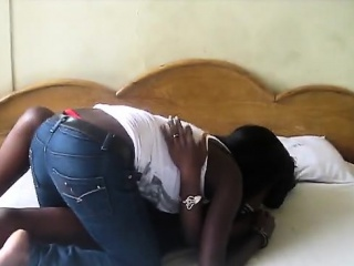 horny african sistas get a room to taste each other