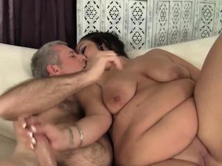 На руском языке порно мастырбируют толстые