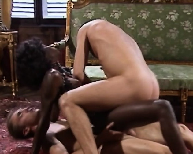 Epic Threesome With A Beautiful Ebony Babe In The Middle