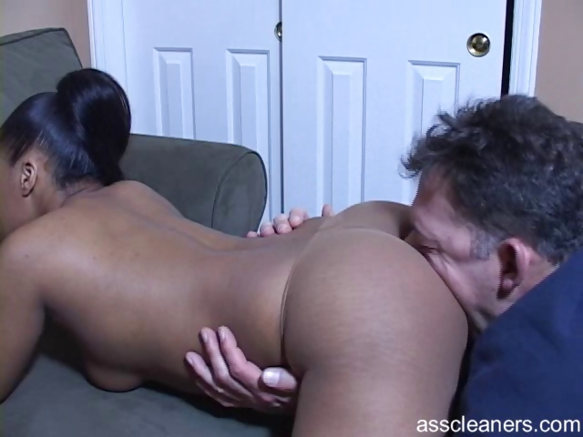 Sex Movie of Ebony Mistress Demands Old Man To Have Her Ass Licked