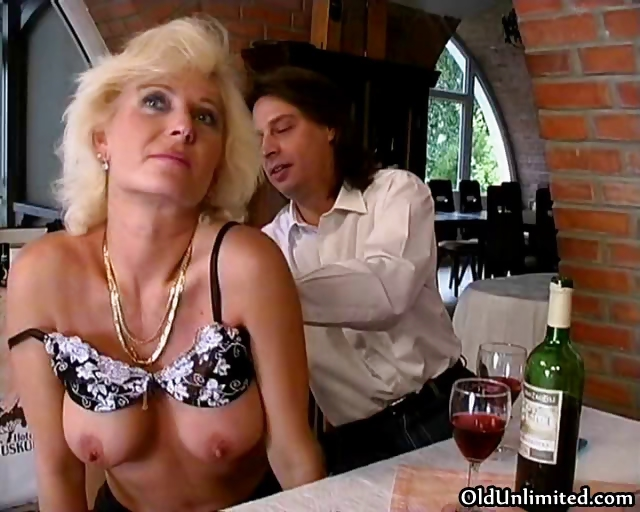Sex Movie of Big Tits Blonde Granny Loves Sucking Part4