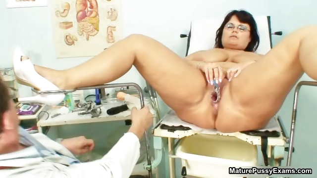 Porn Tube of Fat Mature Mom Spreads Her Legs And Gets Part6