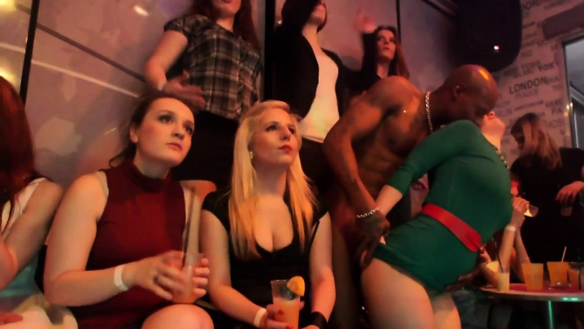 Loving Euro Party Blowing Strippers Dicks