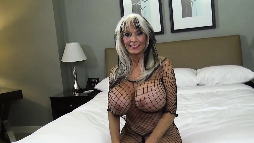 Mature Lady Teaches Sex