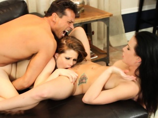 threeway fuck with legend nick manning and 2 sluts