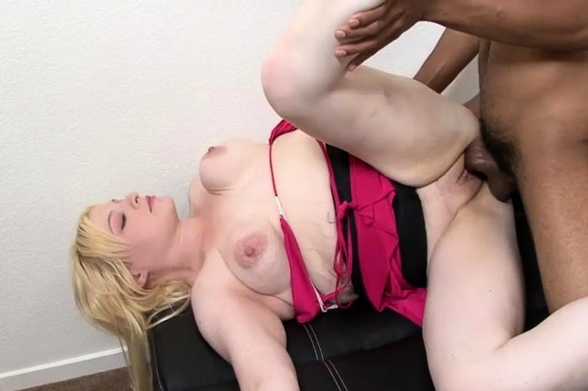 Fatty Blond Is Getting Her Chubby Face Covered In Cum