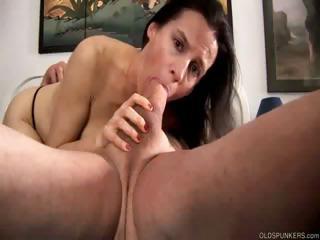 Жену ебут муж сперму любовника лижет смотреть порно