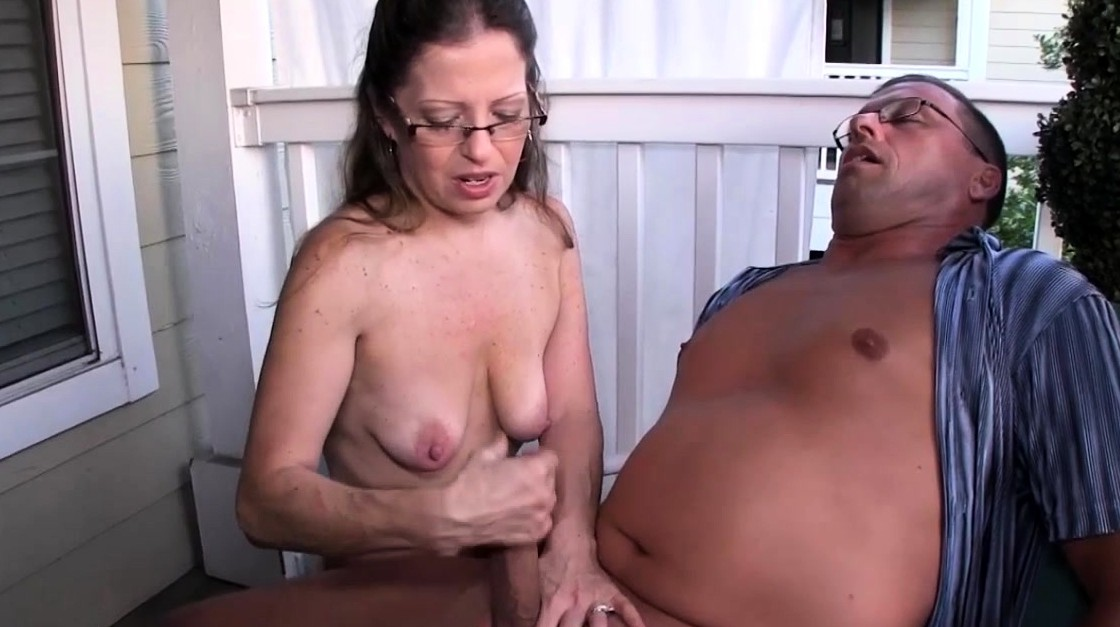 Mature Bitch Pulling Hard Cock Outdoors