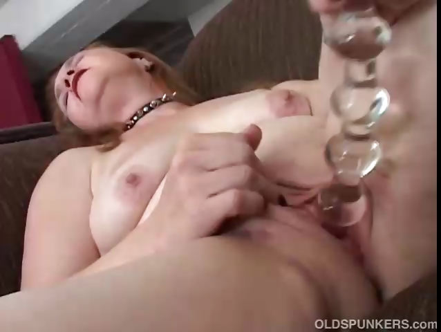 Sex Movie of Lovely Mature Babe Has A Fat Juicy Pussy