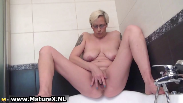 Porno Video of Horny Housewife Spreading And Pleasing Part3