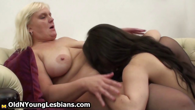 Porno Video of Real Mature Lesbian Exploring The Body Part5