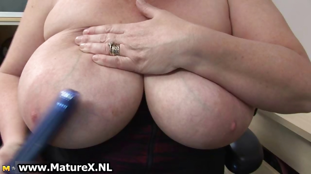 Porno Video of Bbw Mature Housewife With Huge Part6