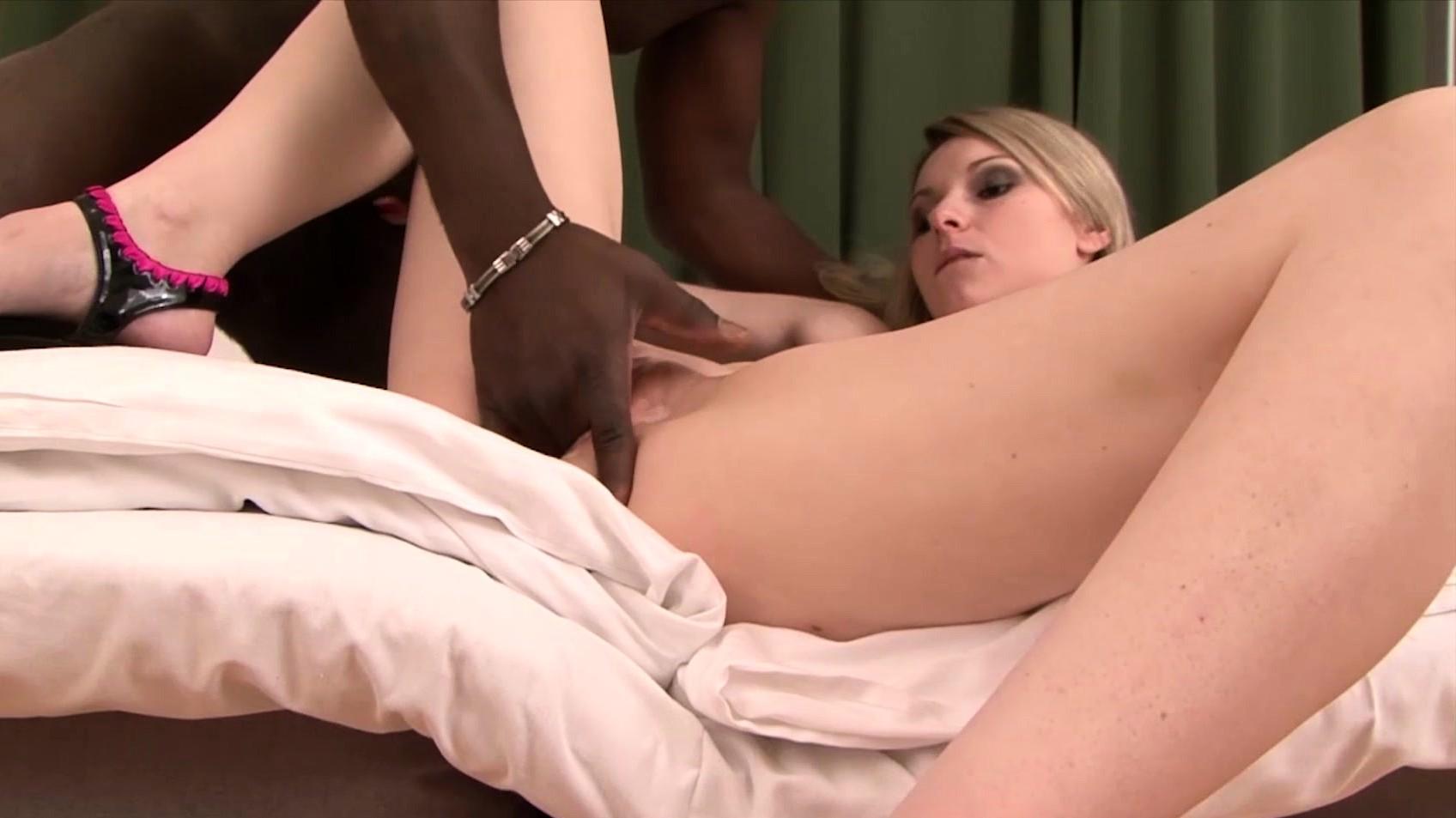 Homemade Shooting My White Girl Fucking My Black Cock