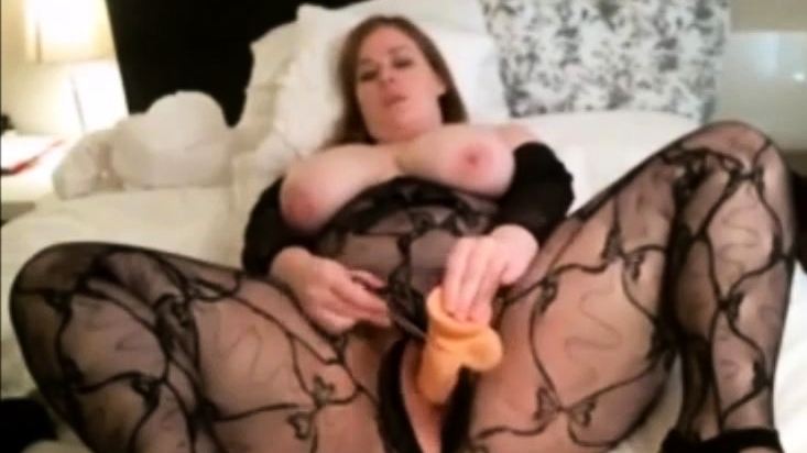 Busty Teen Bbw Masturbating On Webcam