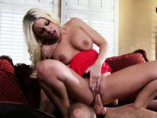 Зрелая с короткой стрижкой домашнее порно