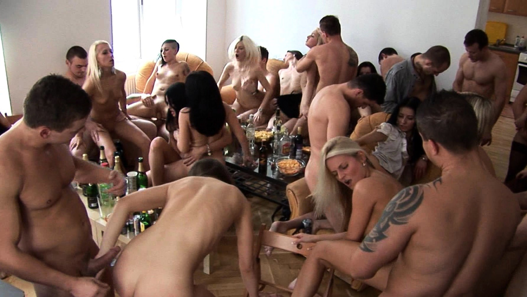 Beautiful Czech Girls Give Their Head At Home A Party