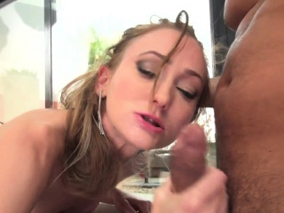Порно онлайн волосатый анал дилдо