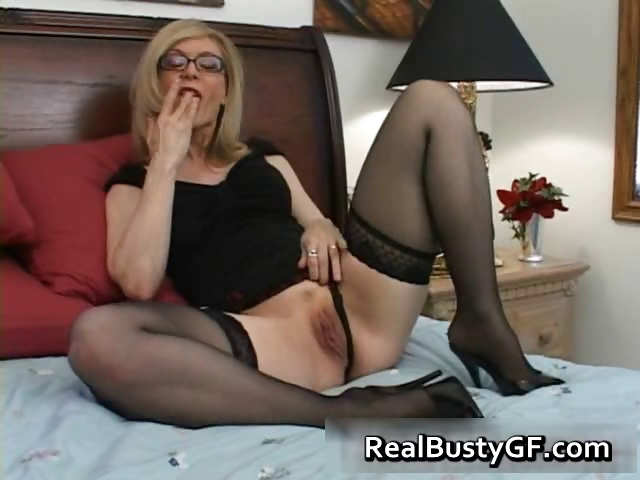 Porno Video of Blonde Mom In Glasses Licking Stiff Part1