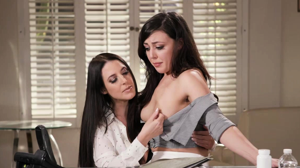 Angel White Sucking Whitney Wrights Tetas Mientras Dedos