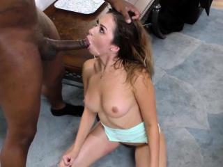 Зрелая пизда большой грудью секс