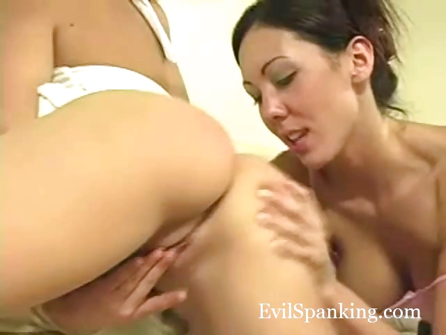Porno Video of Hot Teen Girls Spanking And Fingering
