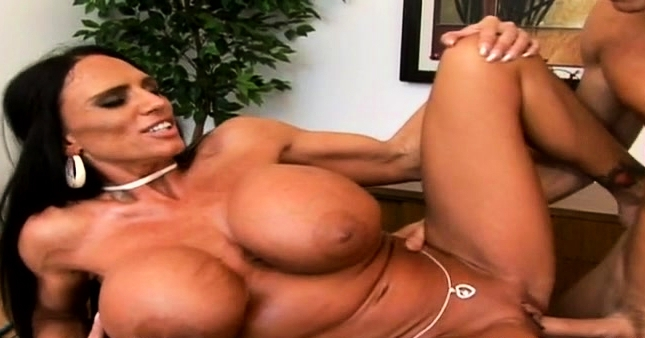 Pretty Older With Big Tits Gets Naked And Gives Blowjob