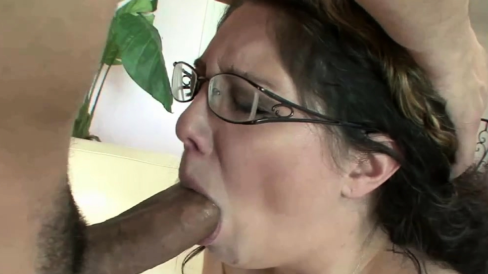 Busty Milf Kiki Daire Is Being Nailed By A Younger Guy