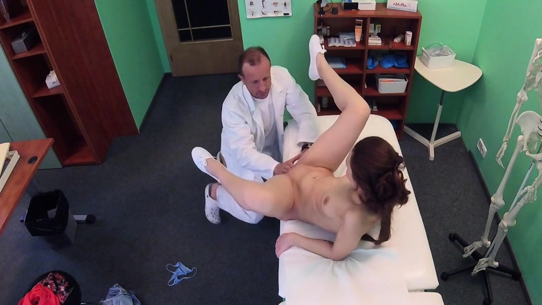 Gal Did Perv Doctor To Fuck Her In The Hospital