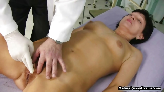 Porn Tube of Old Doctor Inspecting A Hairy Mature Mom Part2