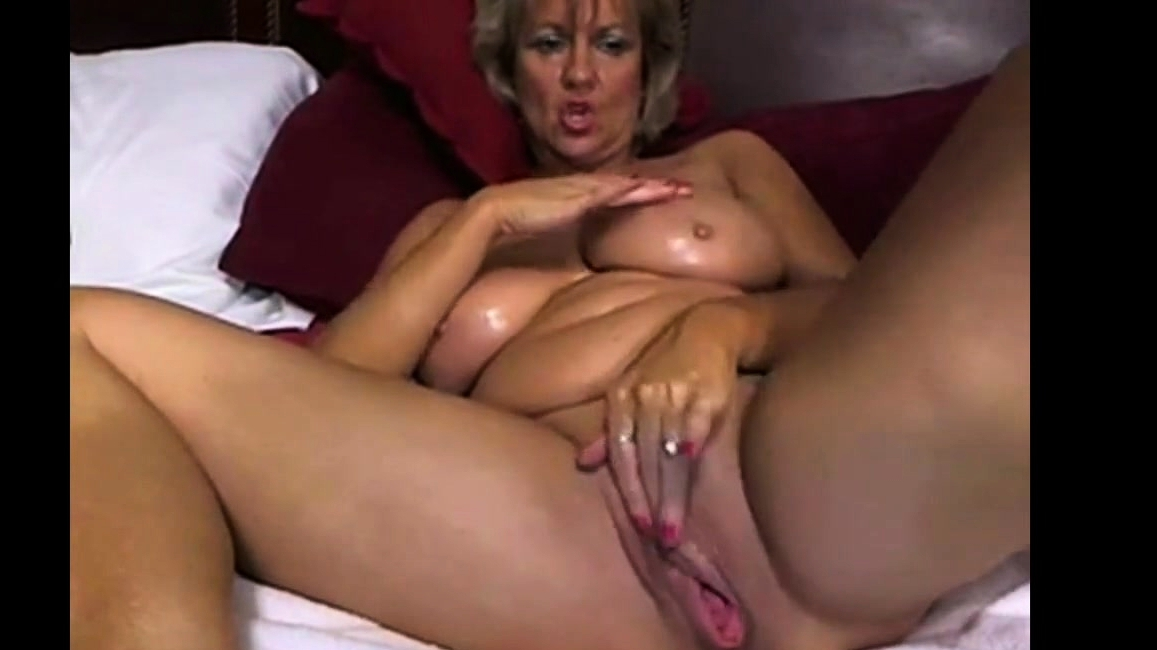 Women Playing With Her Dildo And Talking Dirty 1
