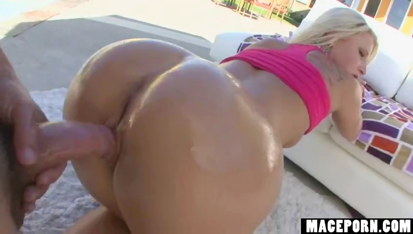 Porno Video of Hot Blonde Anal Fuck