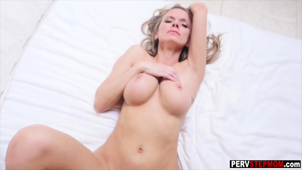 Busty Milf Stepmom Learned Her Stepson What She Needs