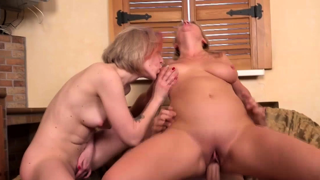 Horny Old And Young Women Sharing A Cock