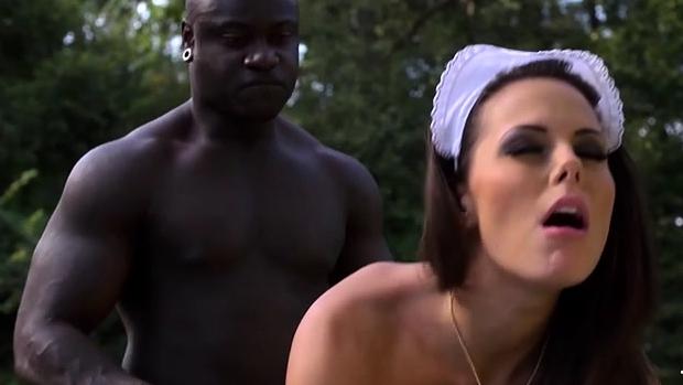 Porn Sex Brunette Pornstar With Cumshot