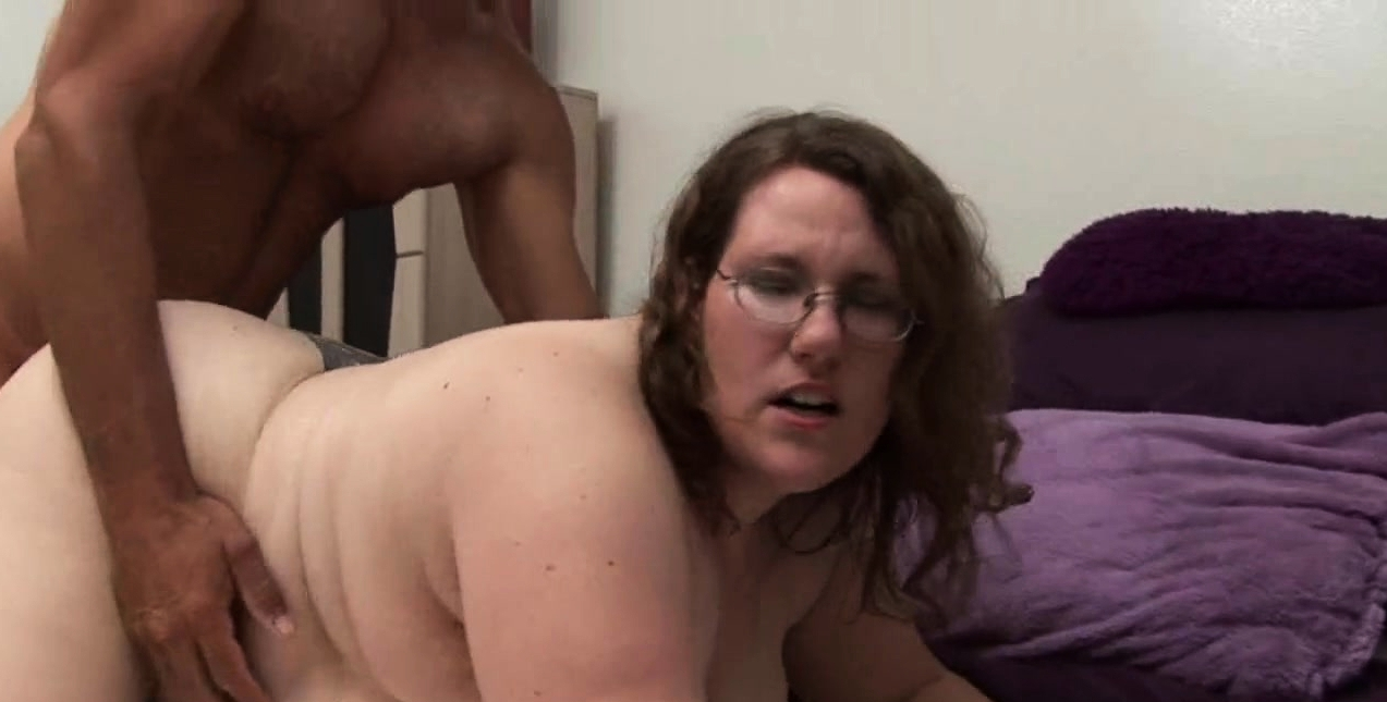 Man Fingers And Fucks Delicious Pussy Of A Corpulent Woman