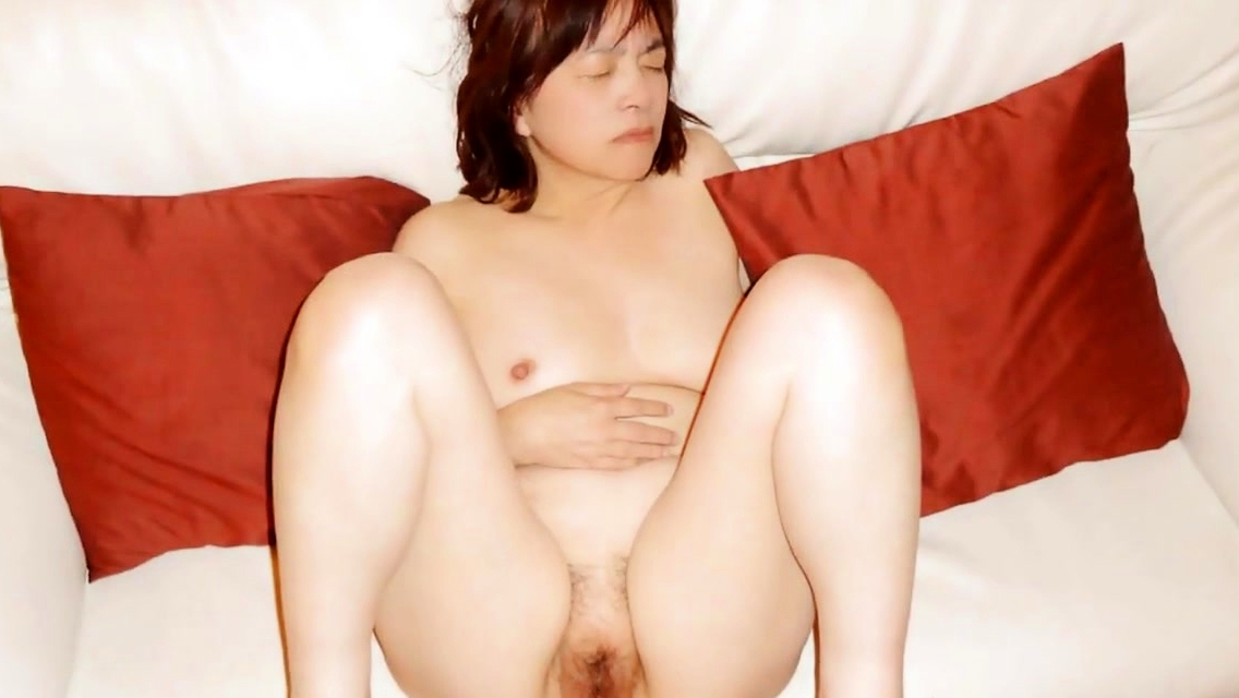 Japanese Milf Kui Somya Sucking Dick And Fucking
