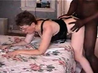 Порно изнасиловал спящую жену друга